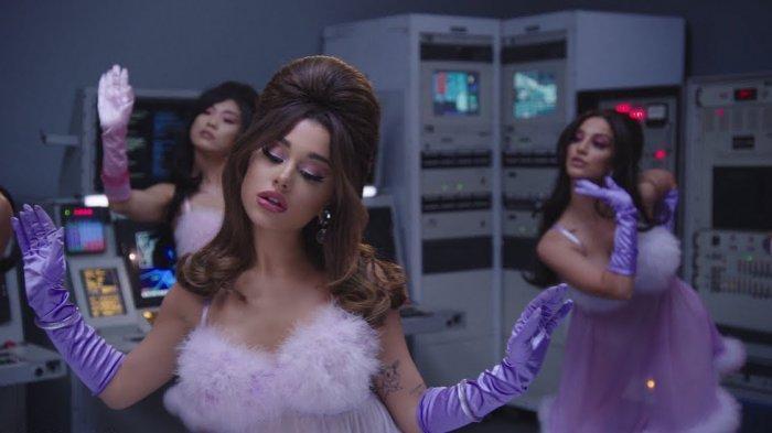 Download Lagu 34+35 – Ariana Grande, Lengkap dengan Lirik dan Video Klipnya